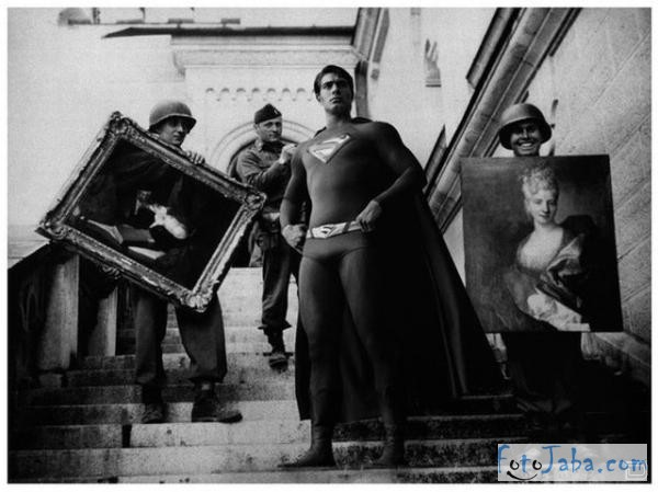 superhero-at-historical-photos (6)