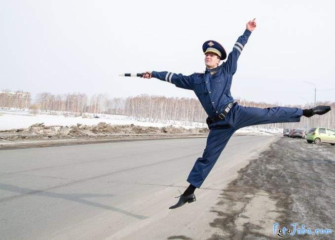 ФотоЖаба на инспектора ДПС - фото 1